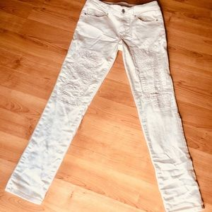Women's AE White embellished Skinny Jeans size 6